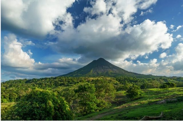 arenal volcan